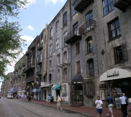 1024px-River_St_in_Savannah,_Georgia